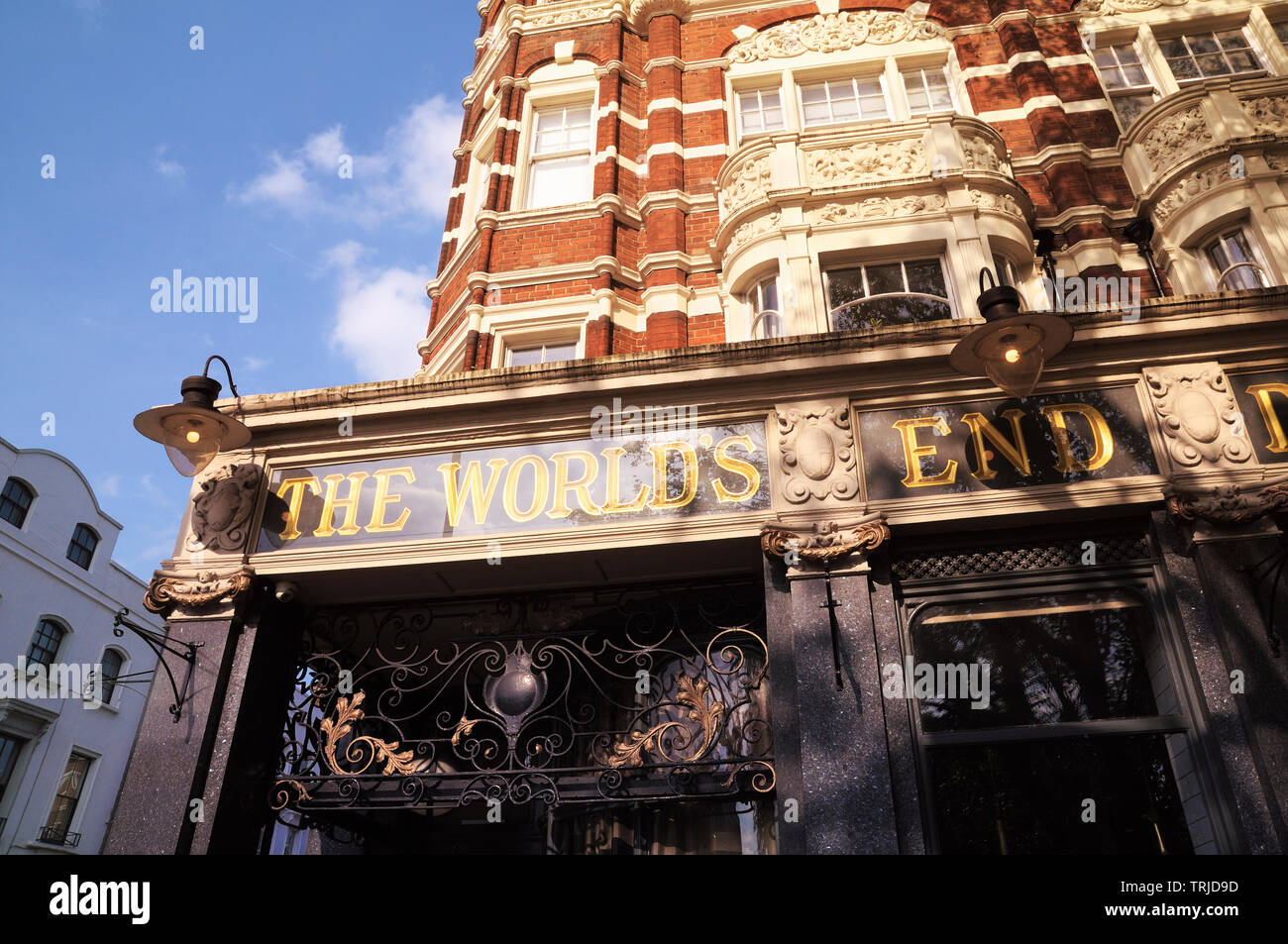 The World's End Market (formerly World's End Distillery), a famous late-Victorian gin palace on the King's Road, Chelsea, London, England, UK - Stock Image