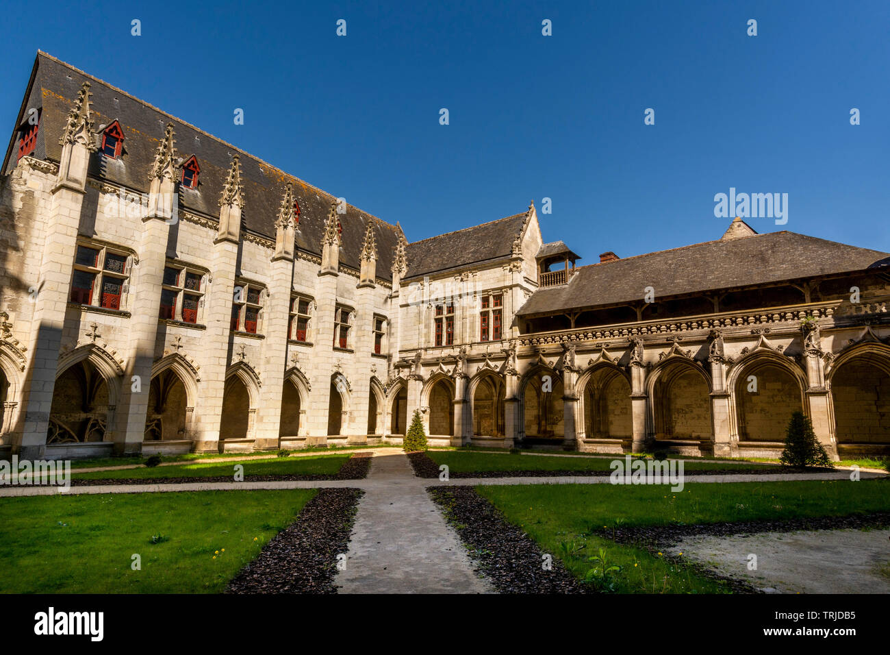 Cloister of la Psalette near the Saint Gatien´s Cathedral  of Tours city, Indre et Loire, Centre Val de Loire, France - Stock Image