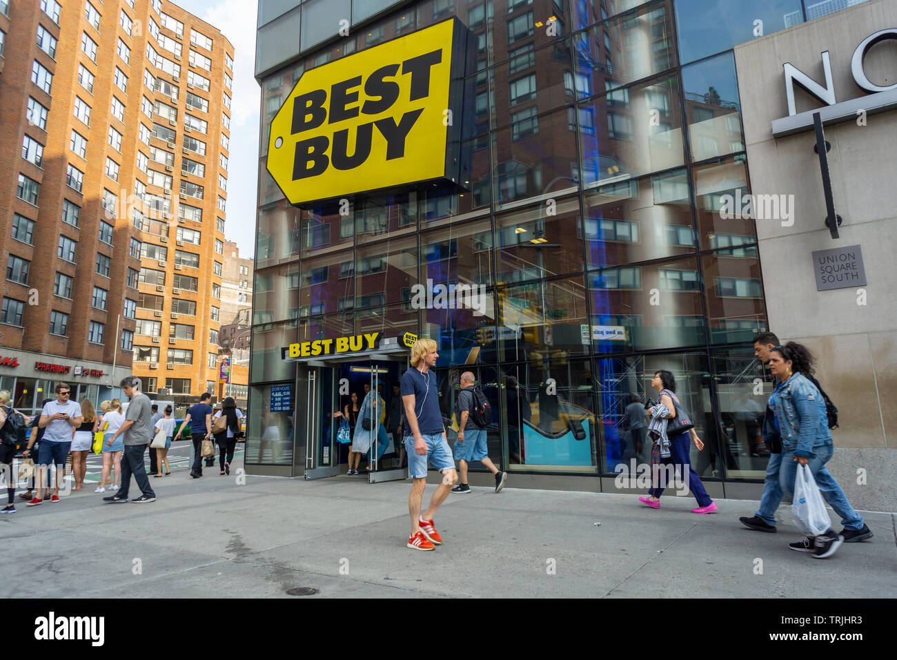 The Best Buy electronics store in Union Square in New York on Sunday, June 2, 2019. Best Buy recently reported first-quarter earnings that beat analysts' expectations. (© Richard B. Levine) - Stock Image