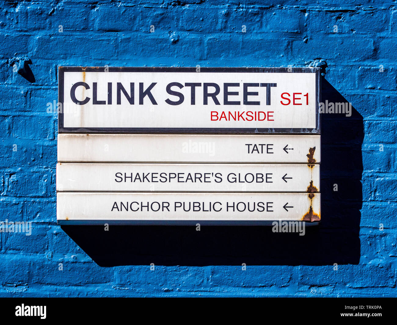 Clink Street Sign, Clink Street is a historic street on Bankside on London's South Bank. Historic location of the notorious Clink Prison - Stock Image