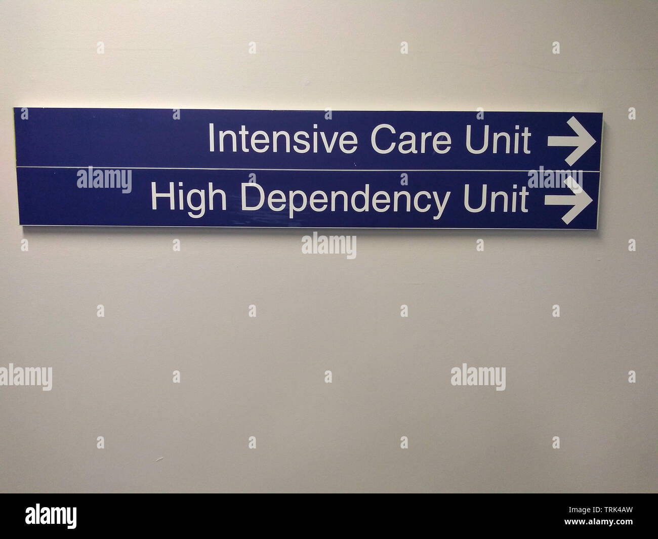 intensive care and high dependency directions sign in an Australian hospital - Stock Image