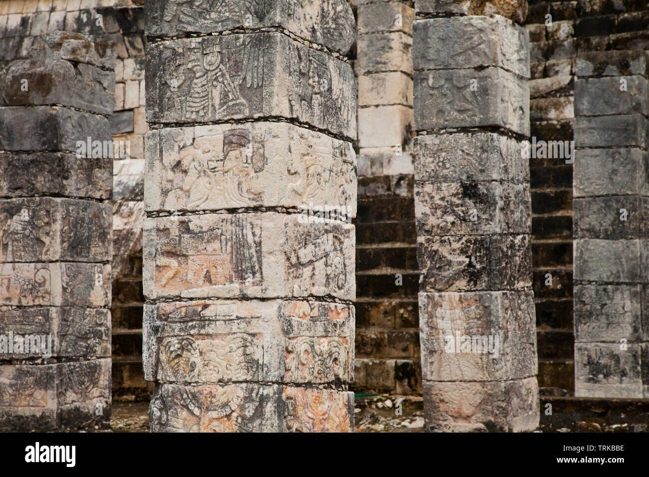 Templo de los Guerreros. Yacimiento Arqueológico Maya de Chichén Itzá. Estado de Yucatán, Península de Yucatán, México, América Stock Photo