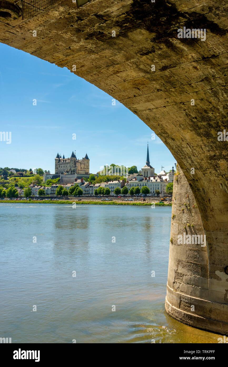 The Cessart bridge and Chateau de Saumur on river Loire, Maine et Loire, Pays de la Loire, France Stock Photo