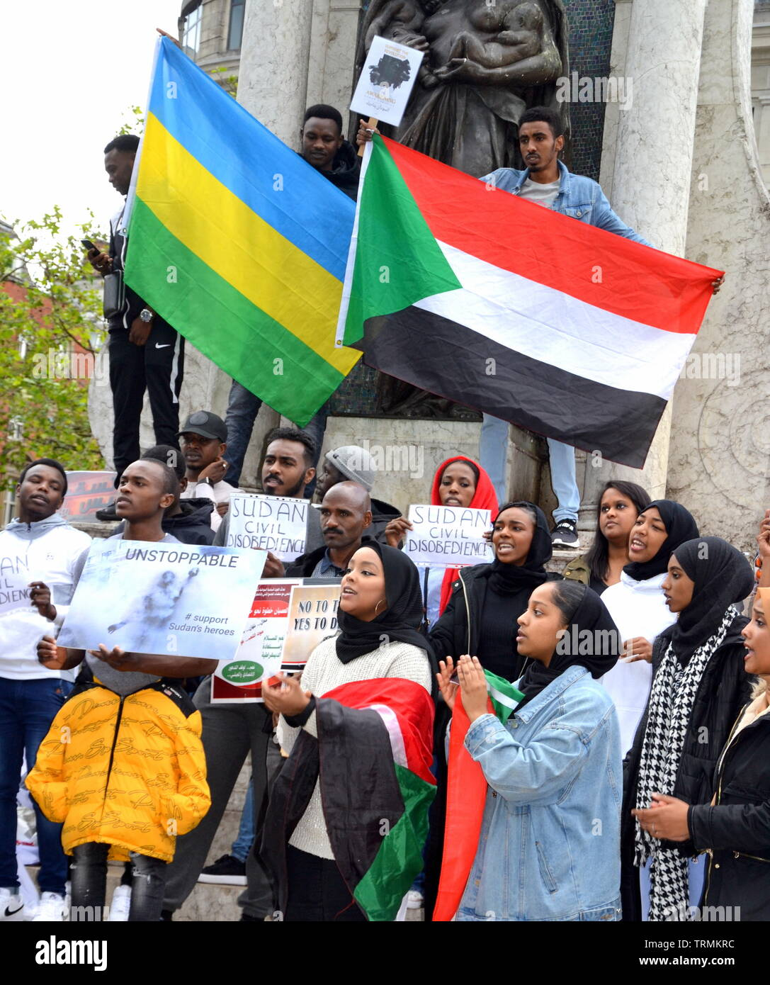 June 9, 2019. Supporters of the Sudanese Uprising campaign for the second day running in Piccadilly Gardens, city centre Manchester, uk. Since December, 2018, people in Sudan and elsewhere have called for political reform and a civilian led government in Sudan. In April the military removed President Omar al-Bashir from power. - Stock Image