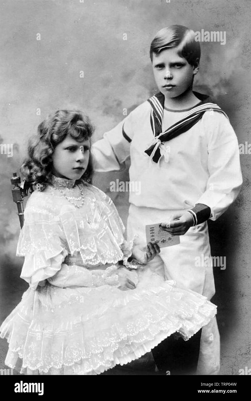 KING EDWARD VIII (1894-1972) as Prince Edward about 1905 with his sister Mary about 1904. She would later become Countess Harewood. - Stock Image