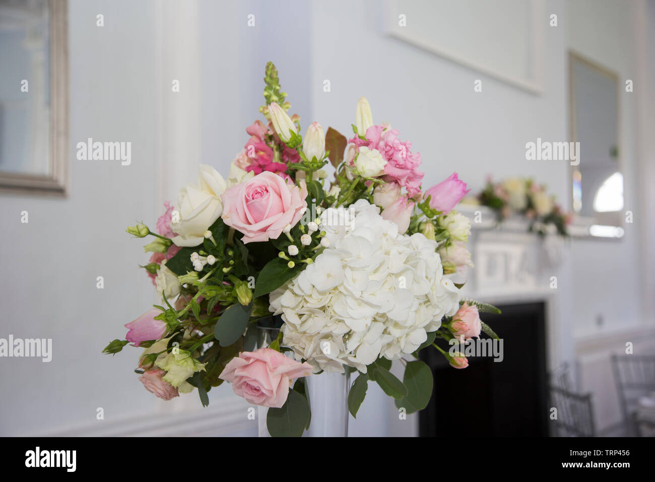 Wedding Flower Arrangements On Table High Resolution Stock Photography And Images Alamy