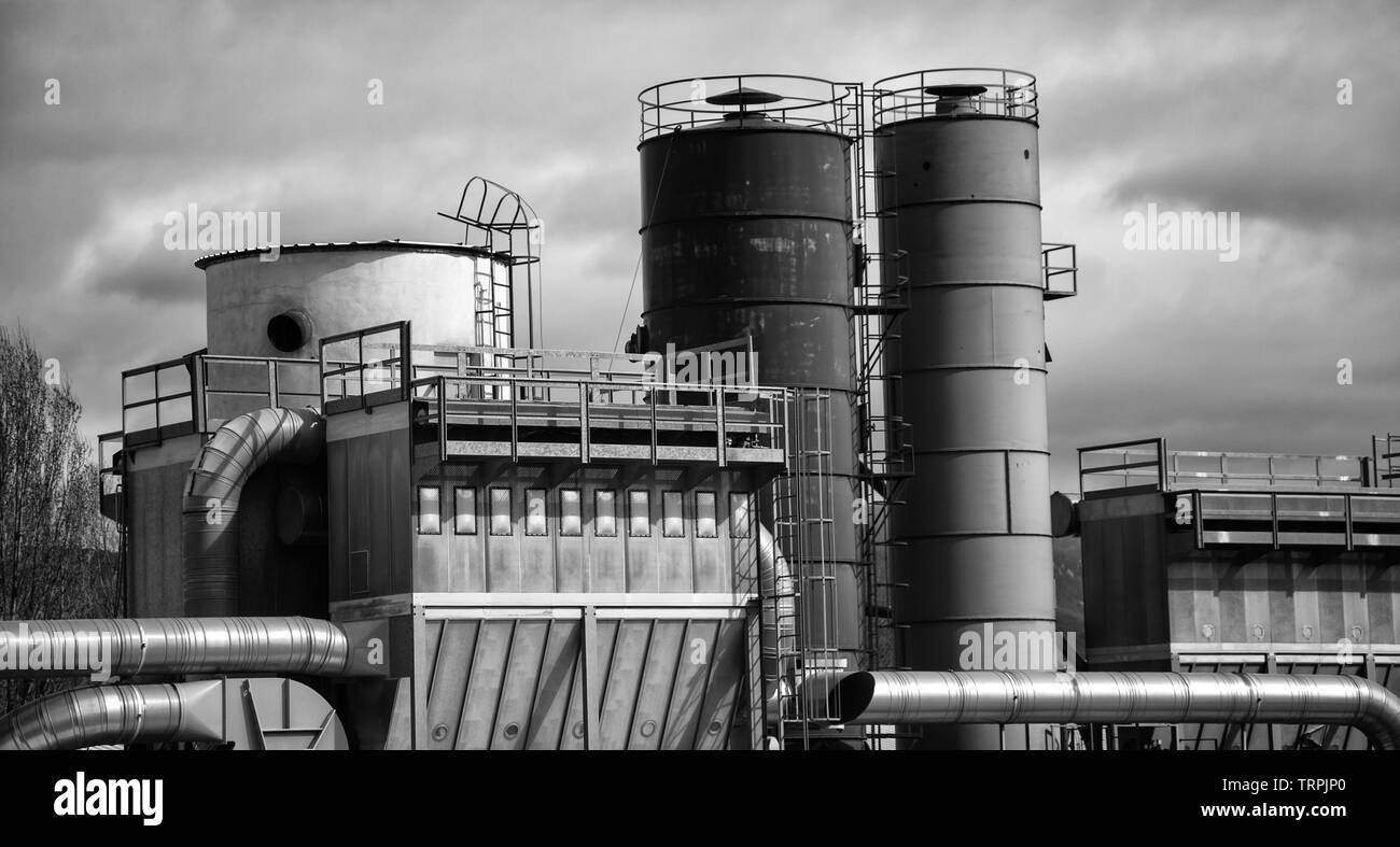 Nuclear factory with chimney polluting smoke, environment, ecology - Stock Image