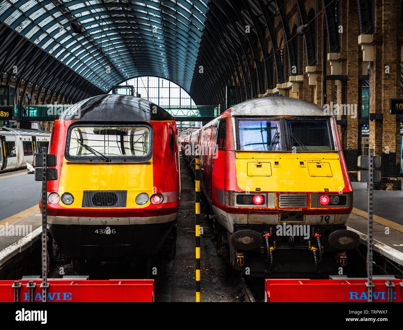 Virgin Trains Stock Photos & Virgin Trains Stock Images - Alamy