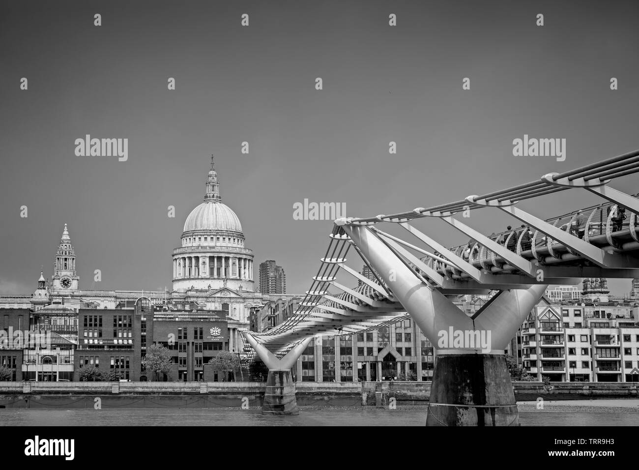 Millennium Bridge and St. Pauls Cathedral - Stock Image