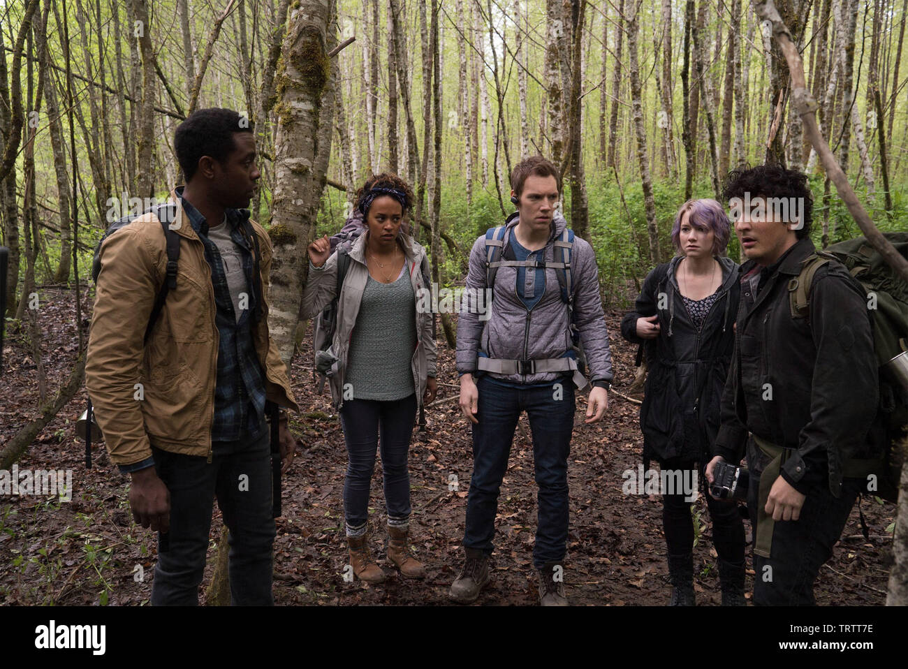 VALORIE CURRY , JAMES ALLEN MCCUNE , WES ROBINSON , BRANDON SCOTT and CORBIN REID in BLAIR WITCH (2016). Copyright: Editorial use only. No merchandising or book covers. This is a publicly distributed handout. Access rights only, no license of copyright provided. Only to be reproduced in conjunction with promotion of this film. Credit: LIONSGATE/ROOM 101/SNOOT ENT/VERTIGO ENT. / HELCERMANAS-BENGE, CHRIS / Album - Stock Image