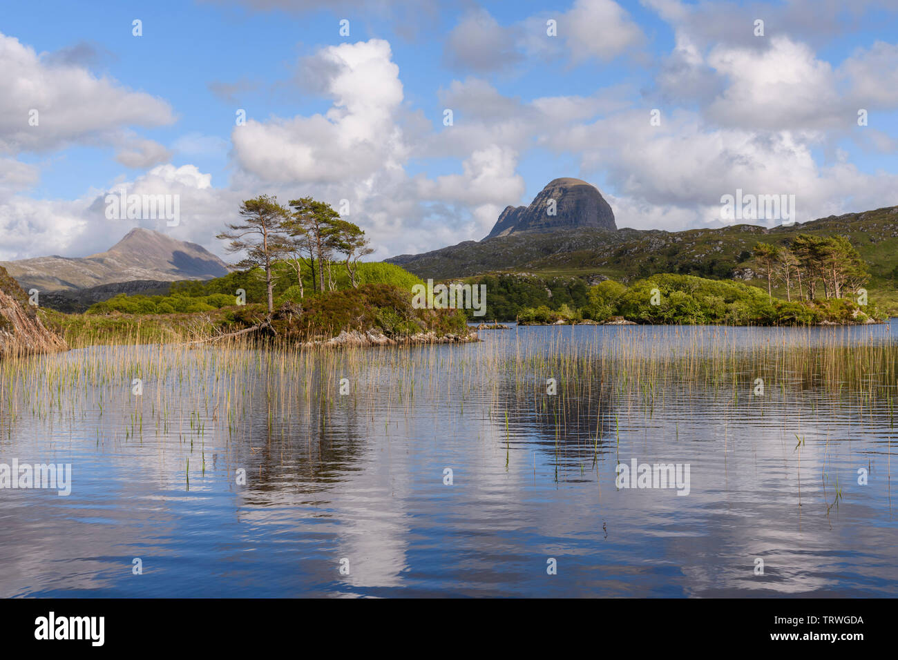 Suilven from Loch Druim Suardalain near Glencanisp Lodge, Assynt, Sutherland, Highlands, Scotland Stock Photo