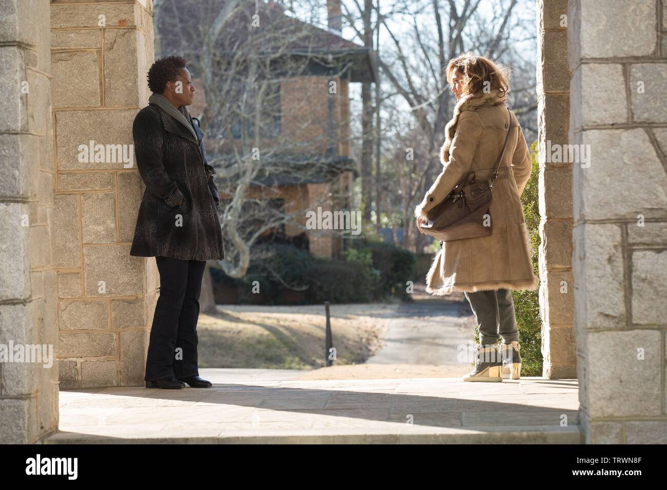 JENNIFER LOPEZ and VIOLA DAVIS in LILA & EVE (2015). Copyright: Editorial use only. No merchandising or book covers. This is a publicly distributed handout. Access rights only, no license of copyright provided. Only to be reproduced in conjunction with promotion of this film. Credit: A + E STUDIOS/JUVEE PRODUCTIONS / MAHONEY, BOB / Album - Stock Image