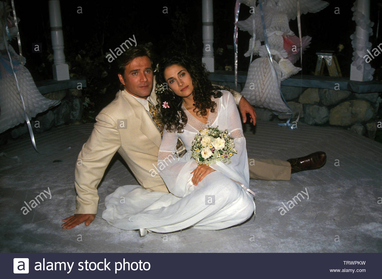 Melina Kanakaredes With Frank Dicopoulos At Frank Cooper And Eleni Andros' second wedding on Guiding Light 1994. Credit: 3096832Globe Photos/MediaPunch - Stock Image
