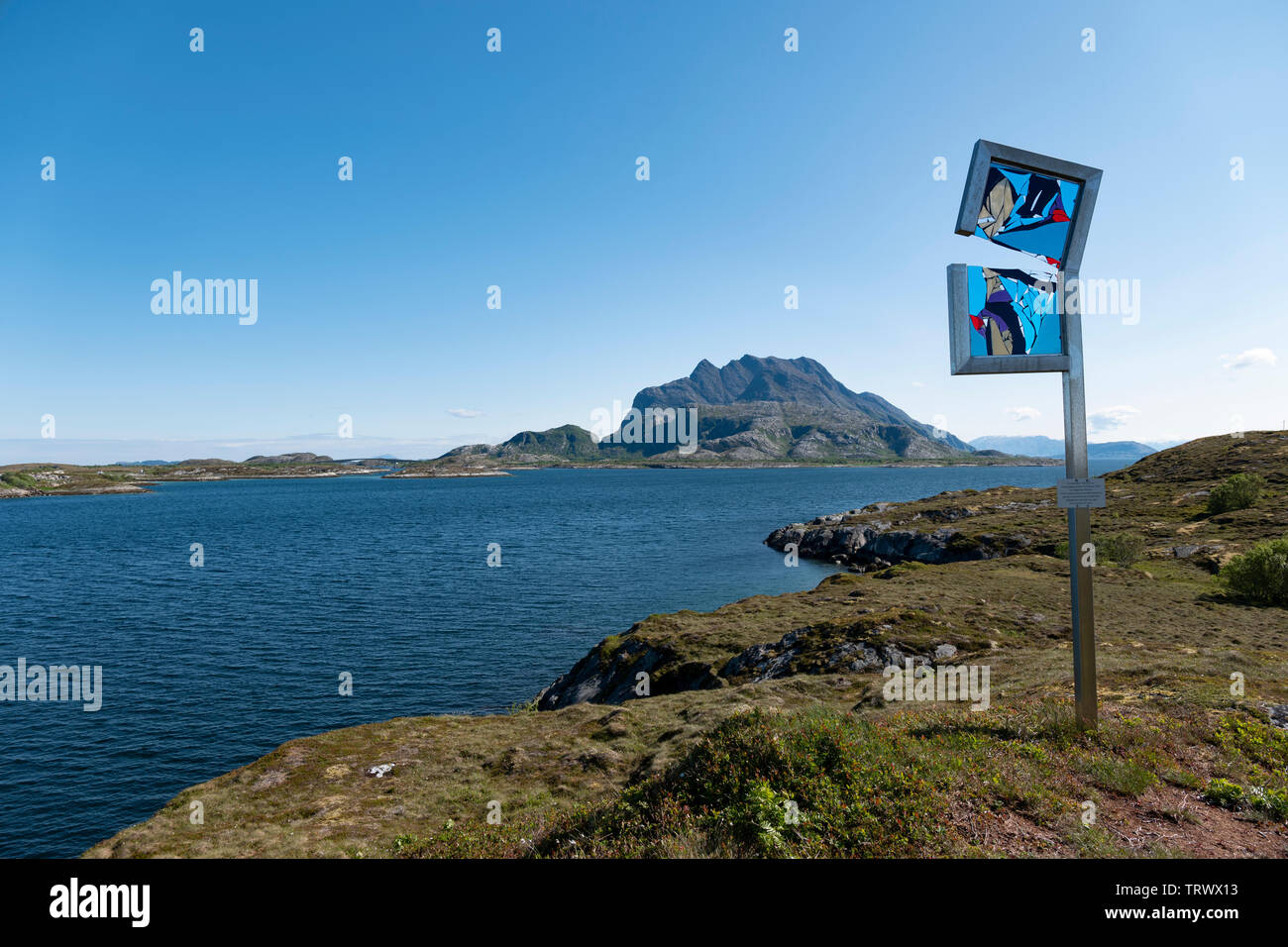 """The artwork """"Tytje ta"""" by the glass artist Turid Grov on Heroy Island, Norway. - Stock Image"""