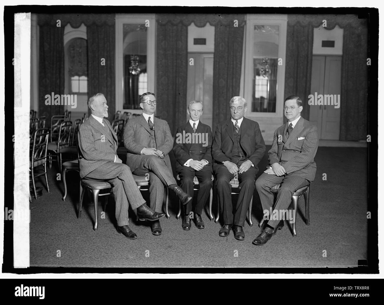 Annual meeting of American Society of Newspaper Editors at Willard, [Washington, D.C., 1/16/25] Abstract/medium: 1 negative: glass; Stock Photo