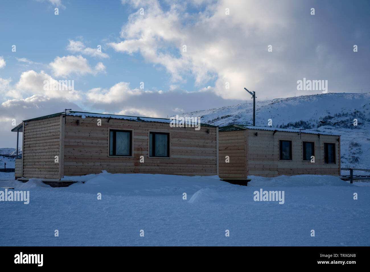 The wooden houses in Teriberka. Winter, Murmansk. - Stock Image