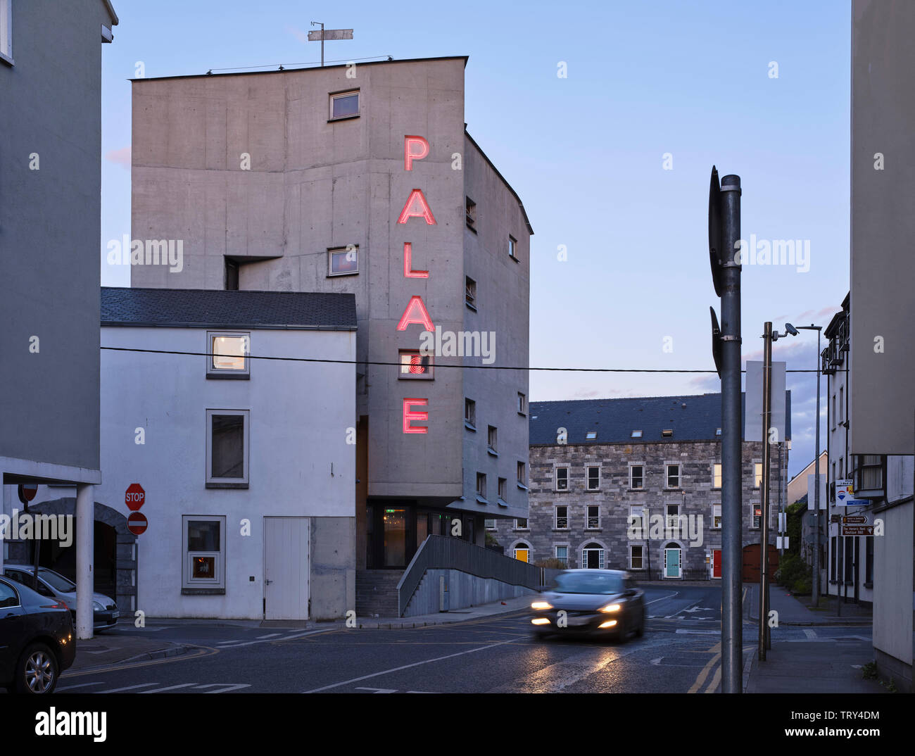 Dusk elevation from west. Pálás Cinema, Galway, Ireland. Architect: dePaor, 2017. - Stock Image