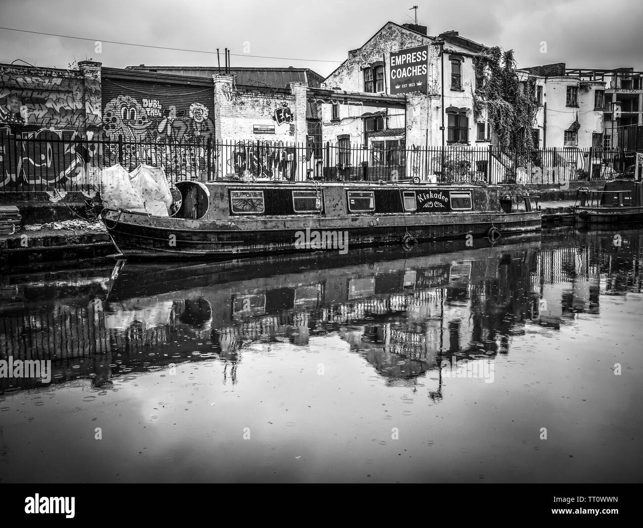 Canal Boat on Regent's Canal Towpath in Black and White - Stock Image