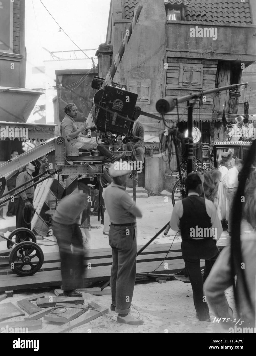THE SCARLET EMPRESS 1934 director Josef von STERNBERG candid on set filming Paramount Pictures - Stock Image