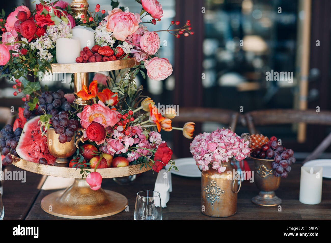 Wedding Table Flowers With Fruits And Berries Decor In Red White Pink Green Colors Stock Photo Alamy