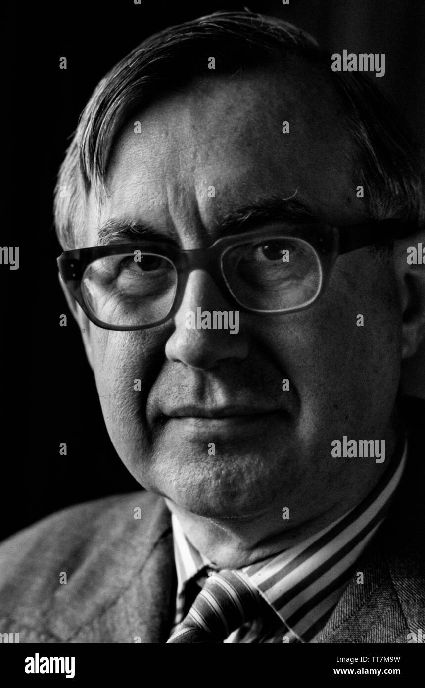 William Rees-Mogg in 1985. Former Editor of The Times of London. William Rees-Mogg, Baron Rees-Mogg (14 July 1928 – 29 December 2012) was a British newspaper journalist, who was the Editor of The Times from 1967 to 1981. In the late 1970's he served as High Sheriff of Somerset, and in the 1980's was the Chairman of the Arts Council of Great Britain and Vice-Chairman of the British Broadcasting Corporation's Board of Governors. Stock Photo