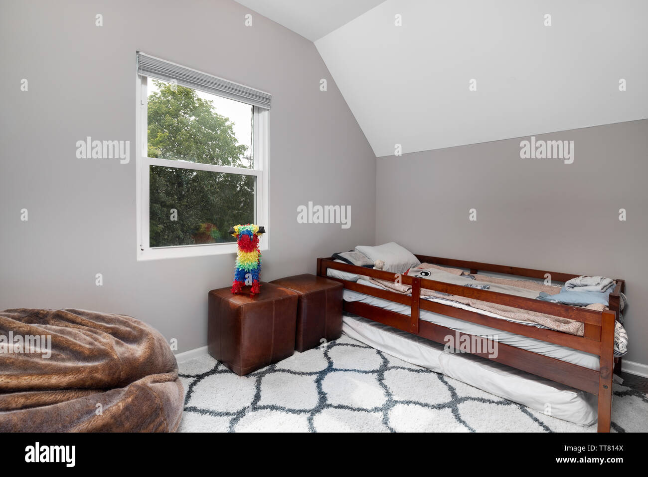 Pleasing A Childs Bedroom With Nothing On The Walls A Single Bed Pabps2019 Chair Design Images Pabps2019Com