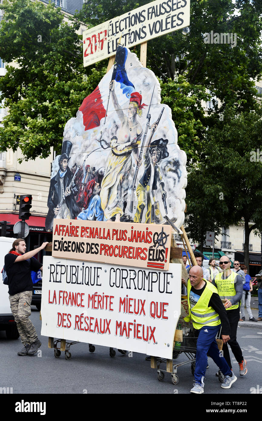 31th saturday of protest for the yellow vests - Paris - France Stock Photo