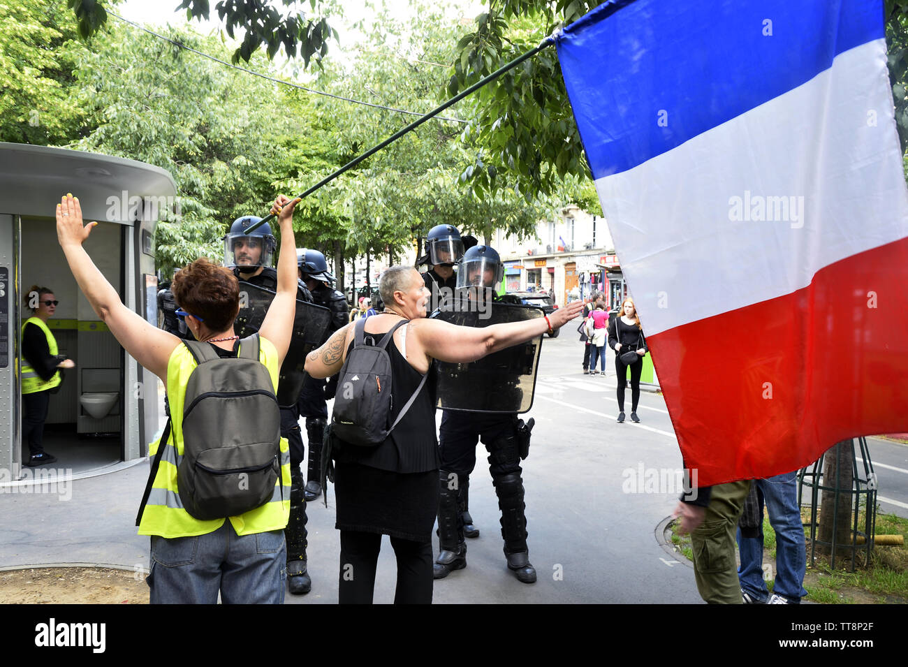 31th saturday of protest for the yellow vests - Paris - France - Stock Image