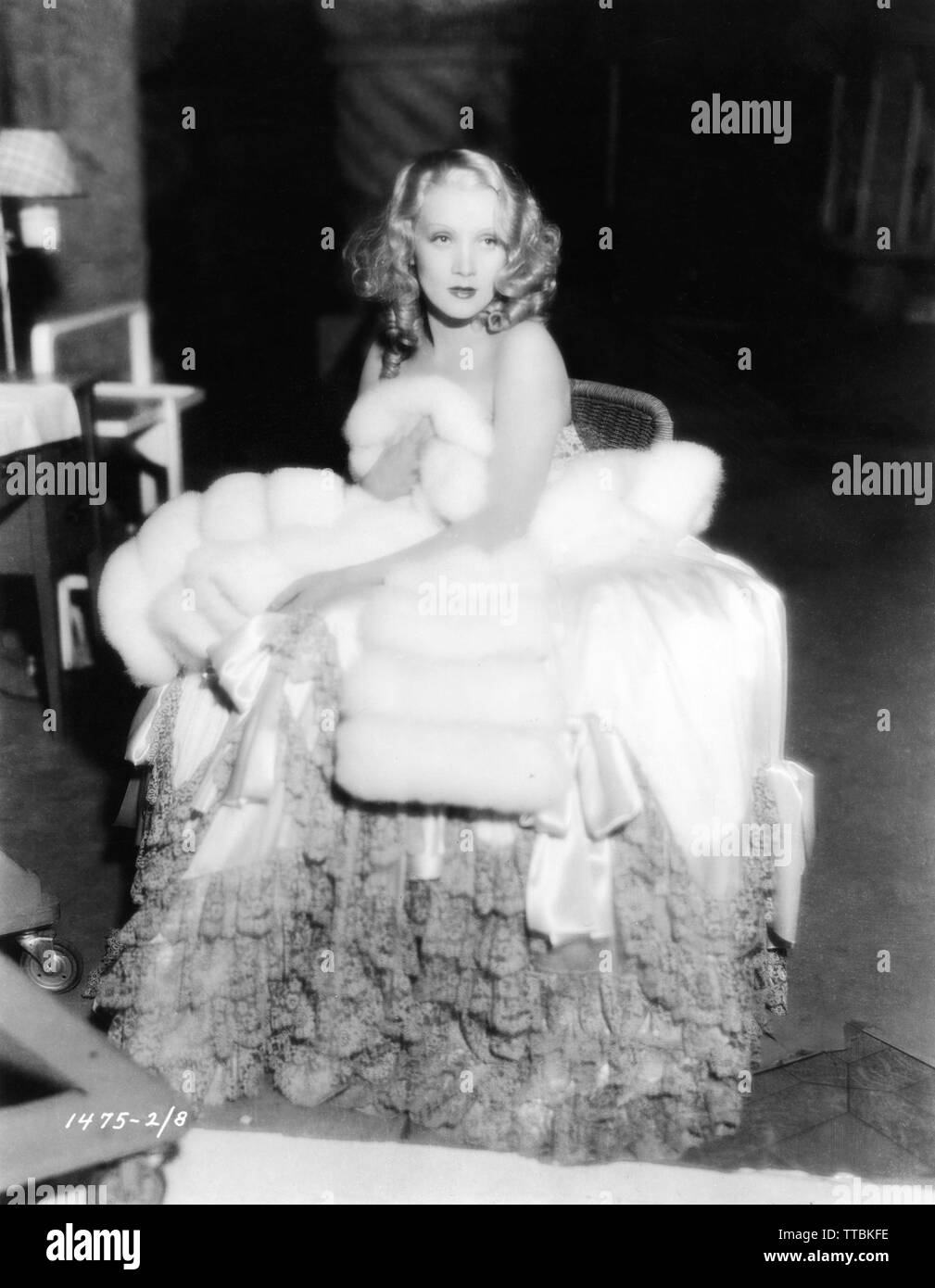 MARLENE DIETRICH as Catherine the Great of Russia THE SCARLET EMPRESS 1934 on set candid filming director Josef von STERNBERG Paramount Pictures - Stock Image