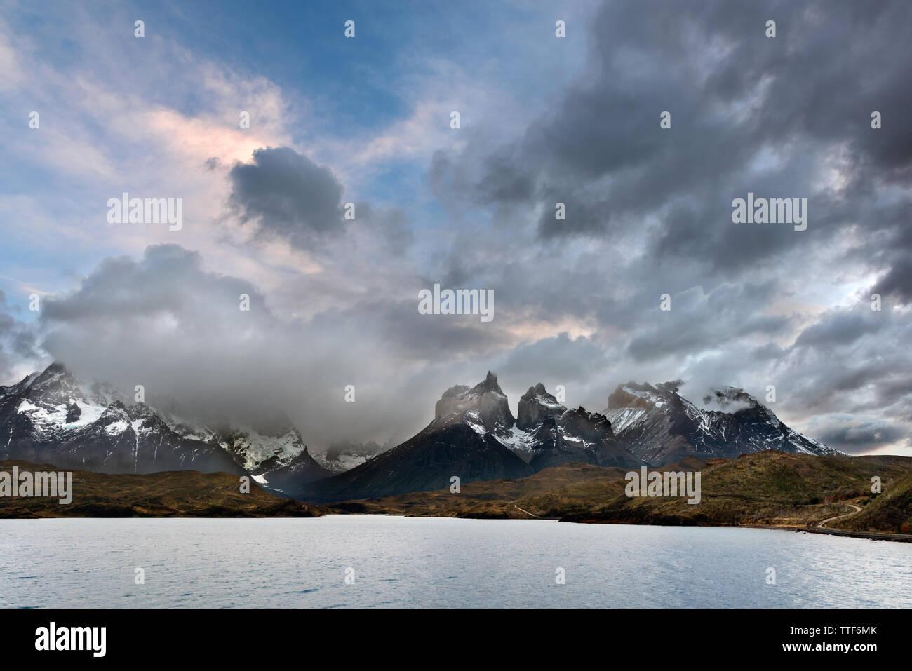 Mountain landscape, Torres del Paine NP, Chile - Stock Image