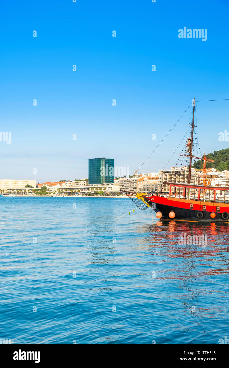 Skyline of the city of Split, Croatia, waterfront view, ships in the harbour, Adriatic coast, beautiful blue seascape - Stock Image