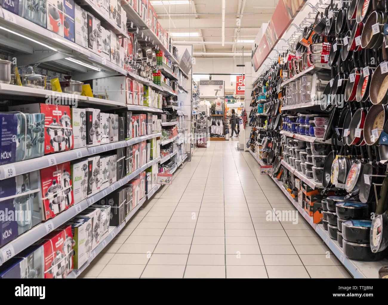 Utensils Shop Stock Photos & Utensils Shop Stock Images - Alamy