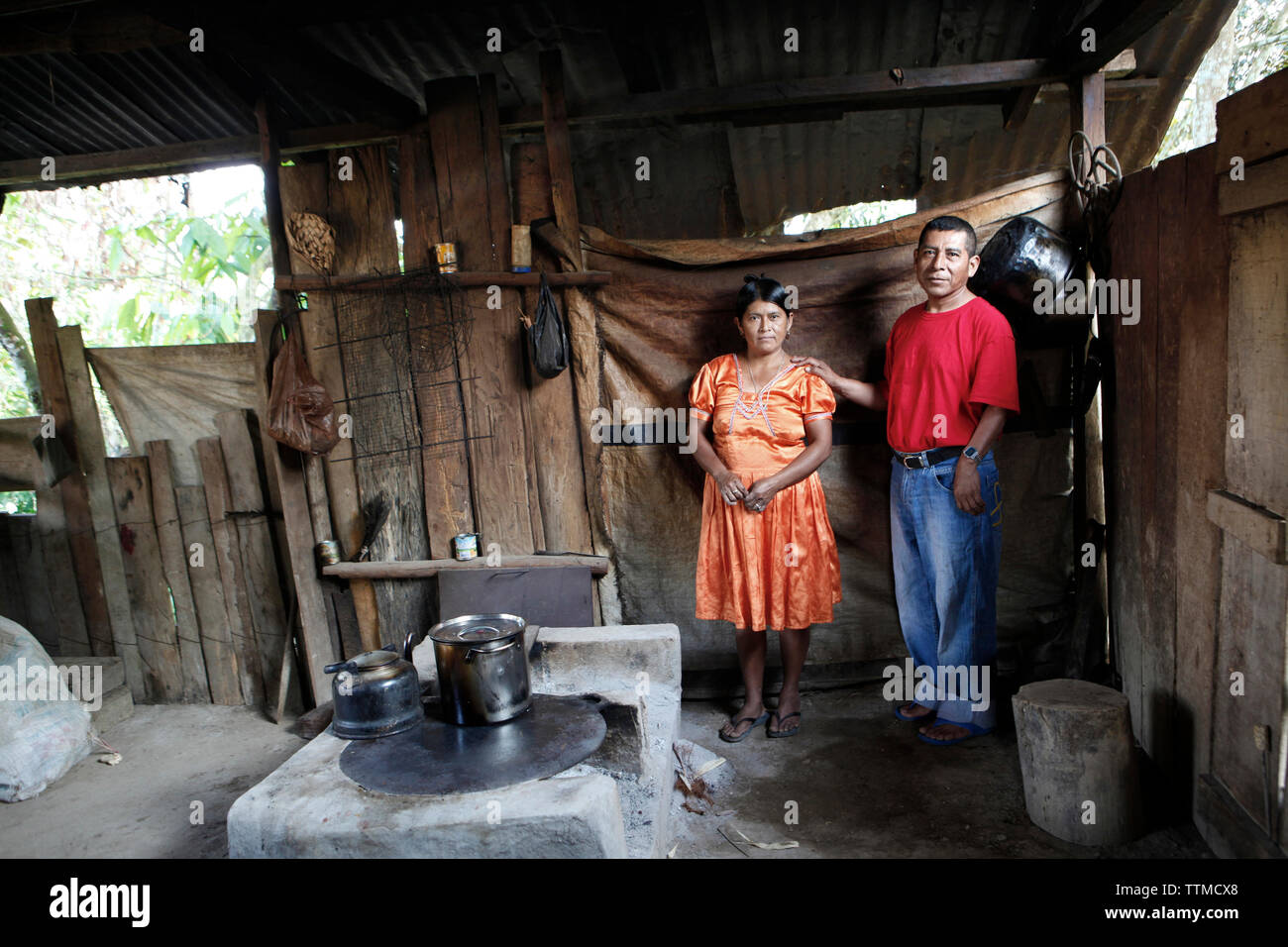 BELIZE, Punta Gorda, Toledo District, Cosme and Selestina Cho in their home in the Maya village of San Jose - Stock Image