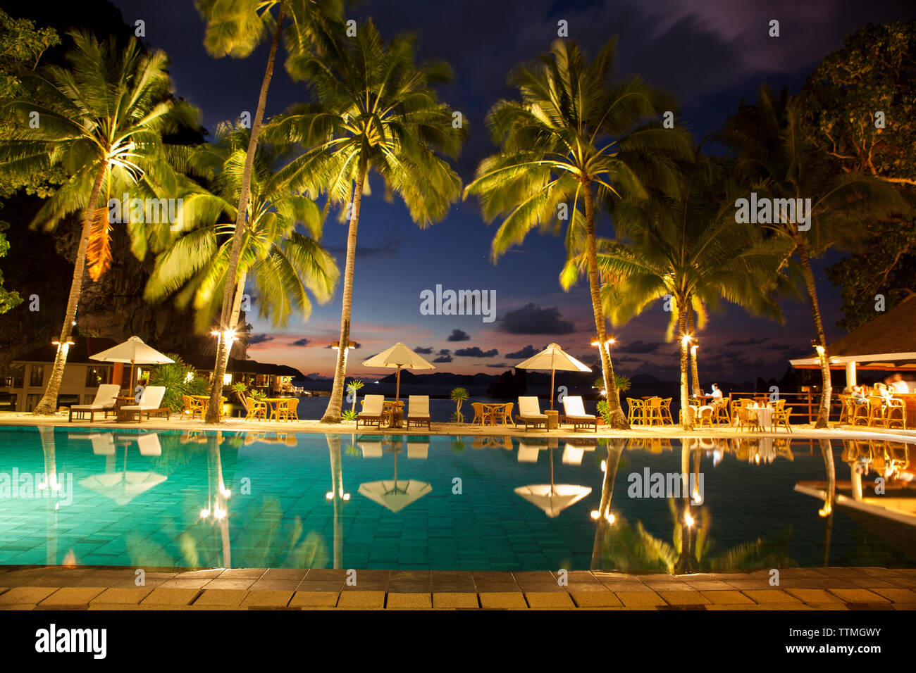 PHILIPPINES, Palawan, El Nido, poolside view at the Lagen Island resort in Bacuit Bay in the South China Sea - Stock Image