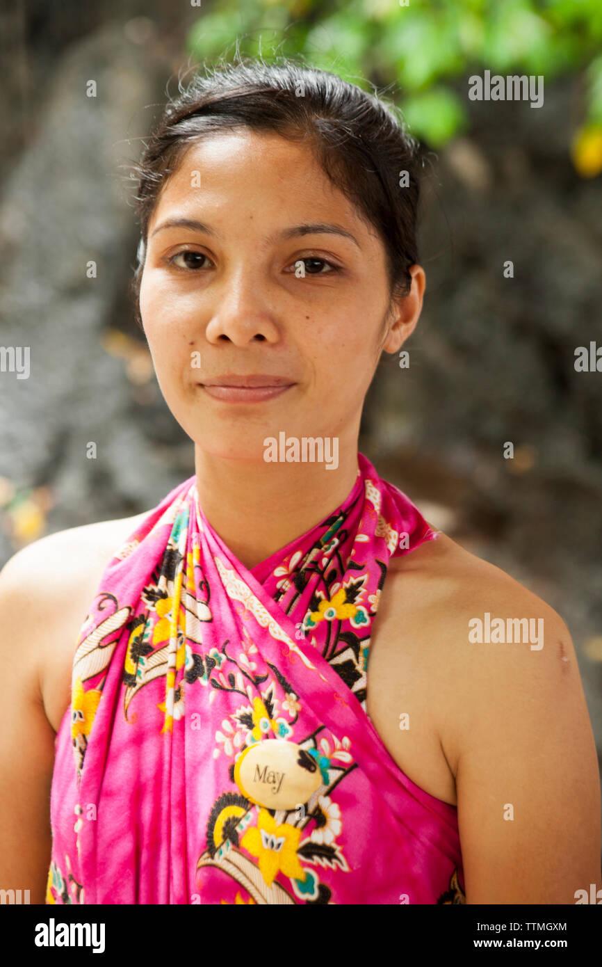 PHILIPPINES, Palawan, El Nido, Entalula Island, portrait of a Philippino woman on Entalula Island located in Bacuit Bay in the South China Sea - Stock Image