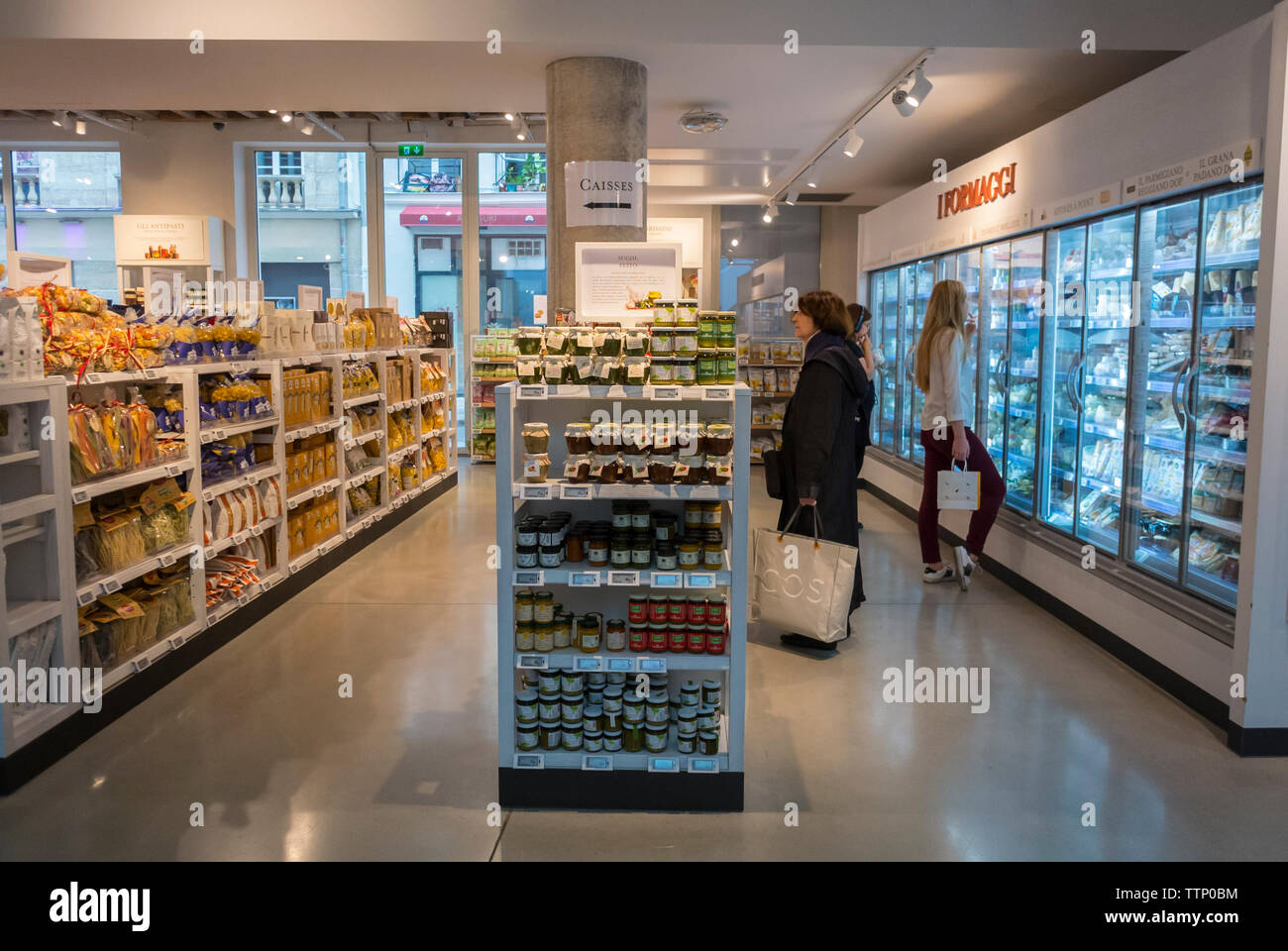 Paris, FRANCE, People inside  Italian Food Court, Store and BIstro Restaurant in the Marais, Eataly - Stock Image