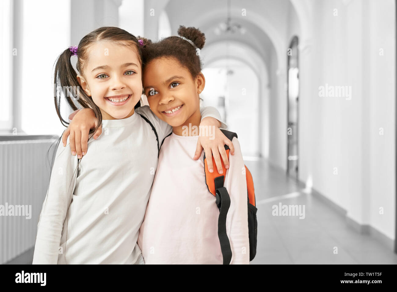 Two Little Girls Best Friends High Resolution Stock Photography And Images Alamy