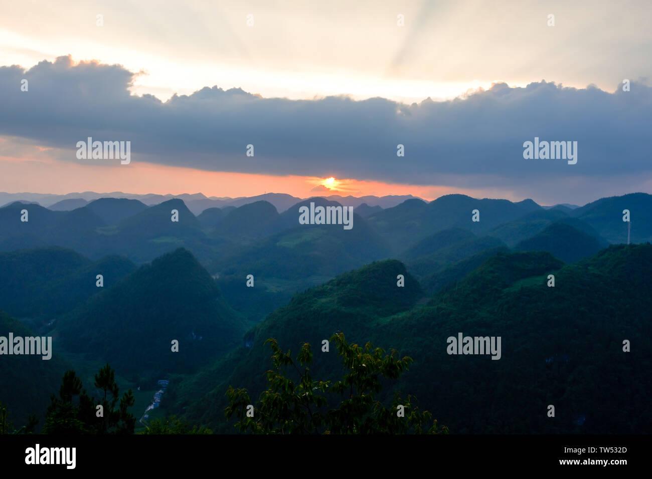 Sunset of Fei Yuetai, Tuanbao Town, Lichuan City, Enshi Tujia Miao Autonomous Prefecture, Hubei Province Stock Photo