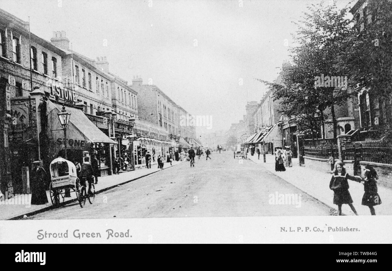 Stroud Green Road, Finsbury Park, North London.      Date: circa 1905 - Stock Image