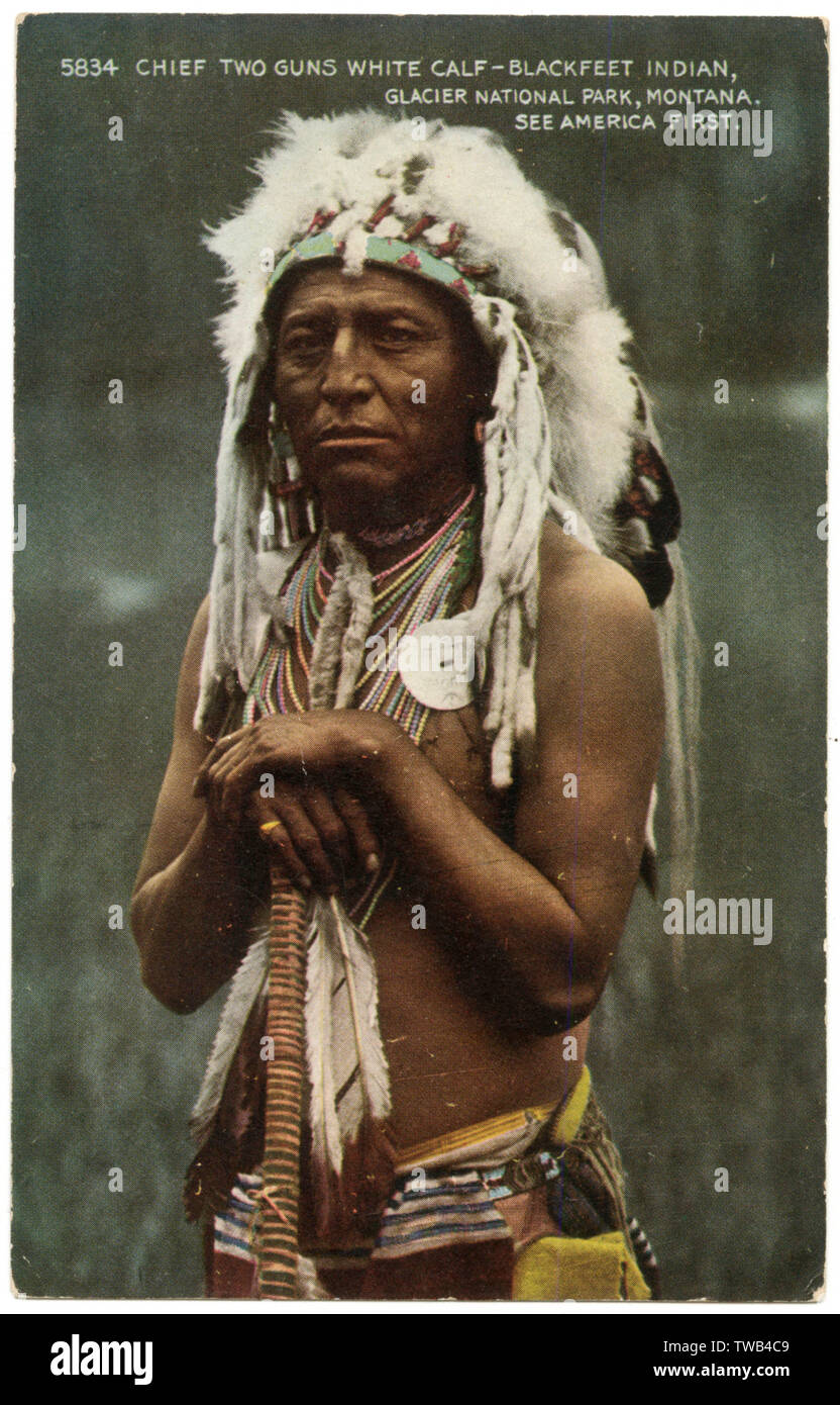 Chief Two Guns White Calf (1872-1934), Blackfeet Indian, Glacier National Park, Montana, USA.      Date: circa 1920 - Stock Image