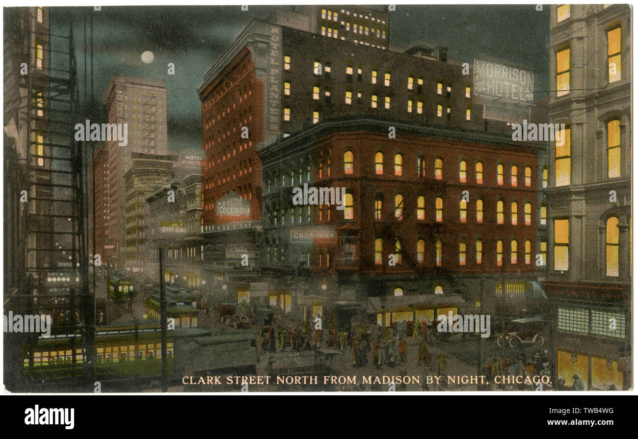 Night view of Clark Street, Chicago, USA, looking north from Madison, in the Rialto district.      Date: 1911 - Stock Image