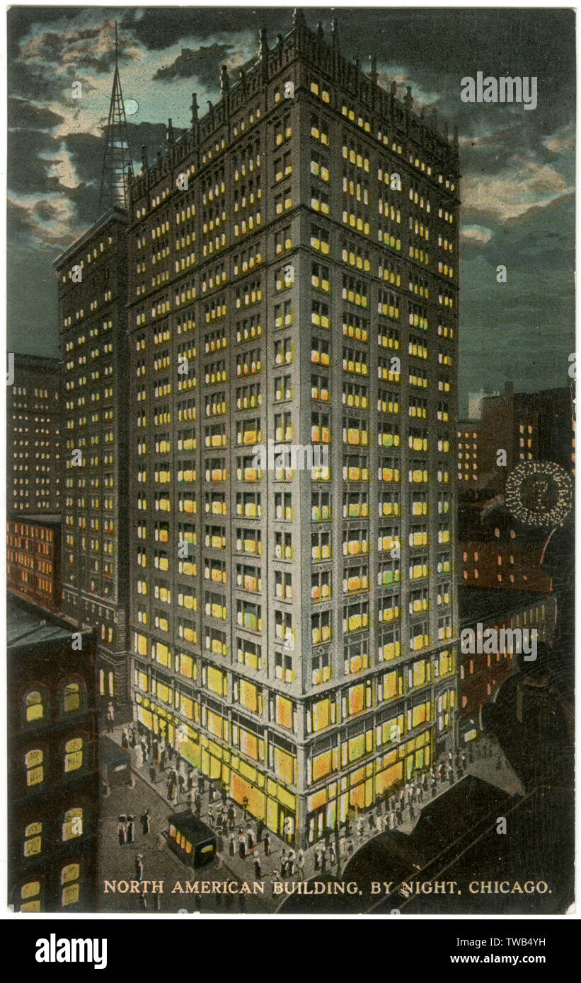 Night view, North American Building, Chicago, Illinois, USA, on the corner of State Street and Monroe Street.      Date: 1911 - Stock Image