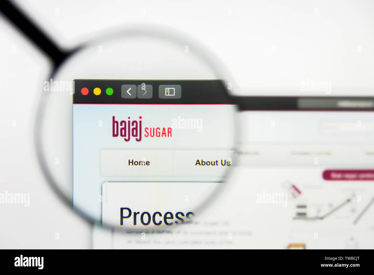 Bajaj Stock Photos & Bajaj Stock Images - Page 2 - Alamy