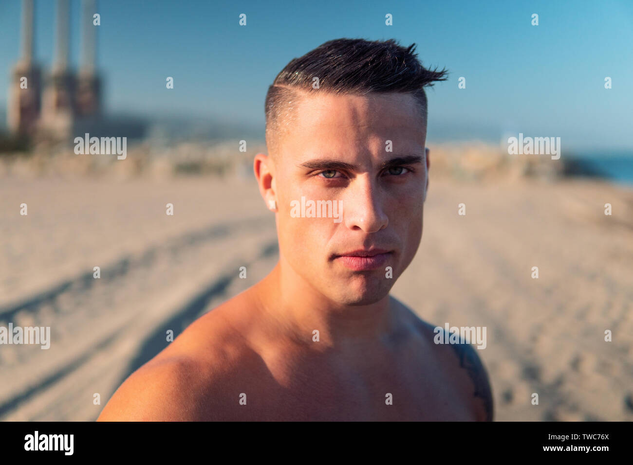 selfie portrait of bodybuilder sexy male coach at the beach Stock Photo