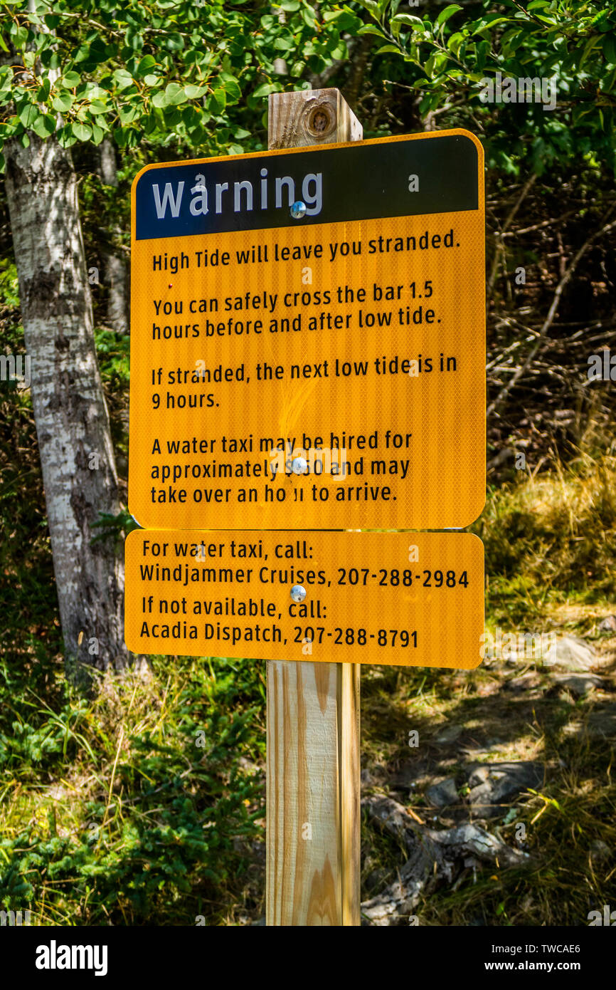 Bar Harbor, ME, USA - August 19, 2018: A warning in case of emergency placard - Stock Image