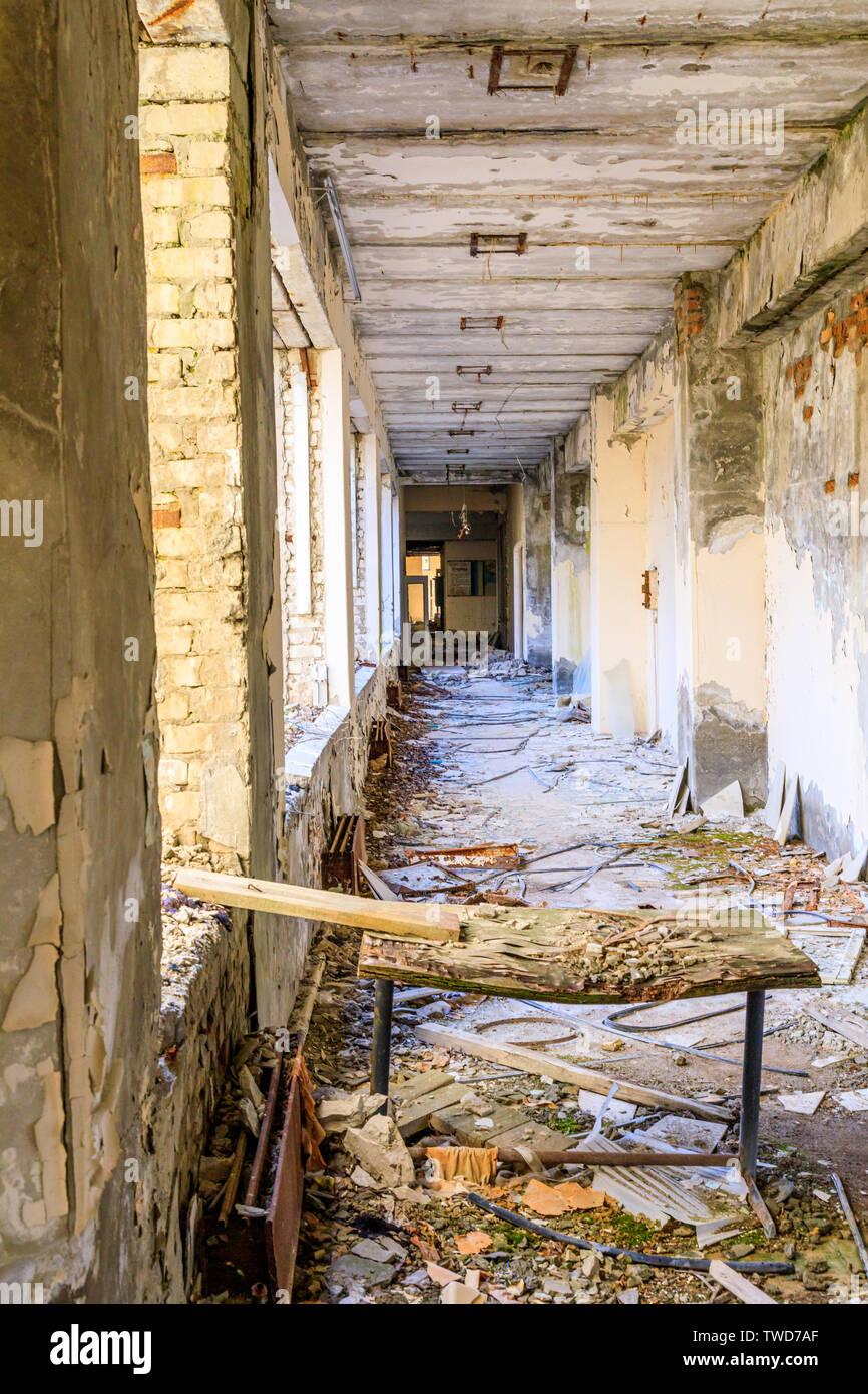Eastern Europe, Ukraine, Pripyat, Chernobyl.  Dilapidated hallways. - Stock Image