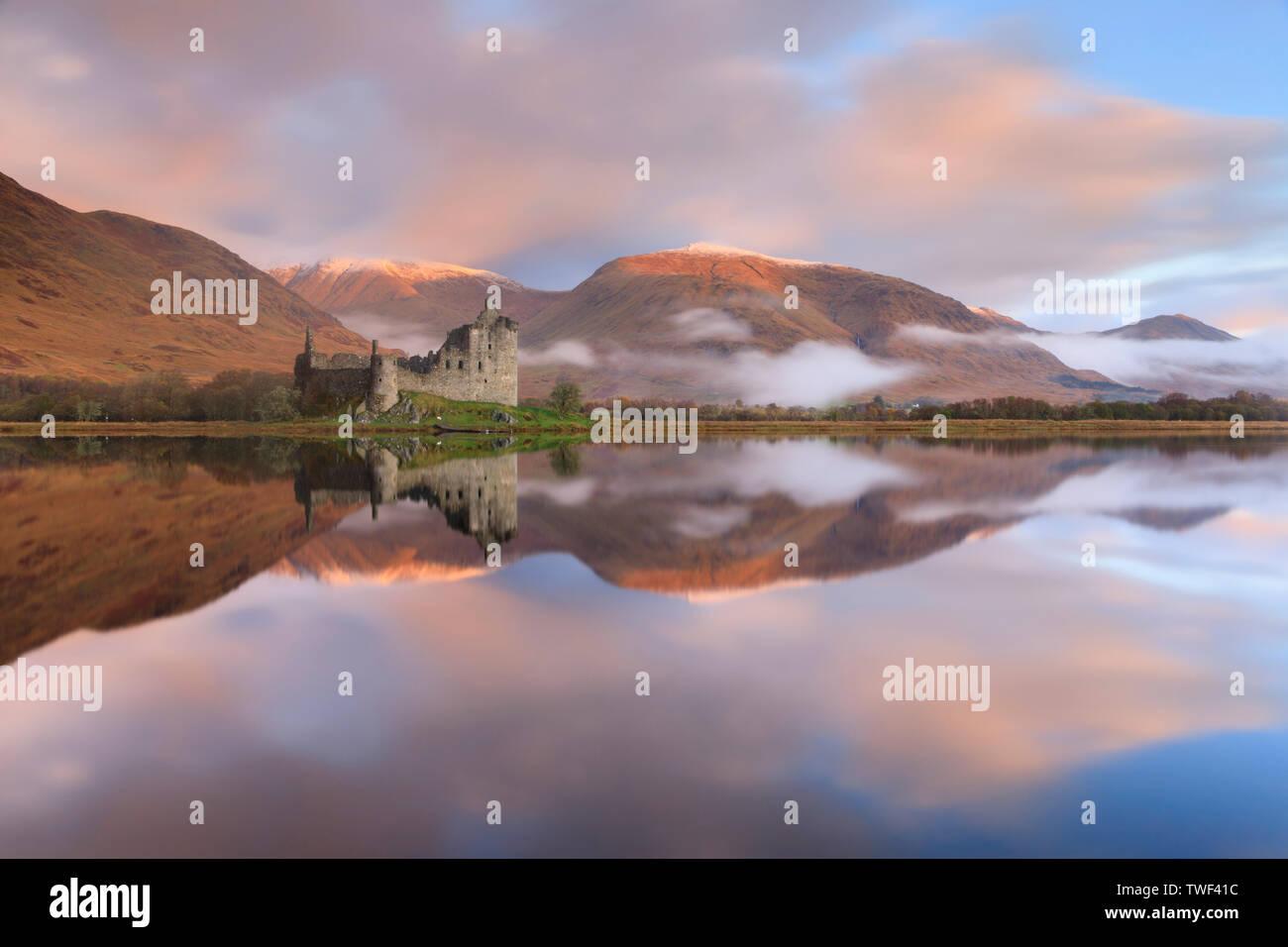 Kilchurn Castle on Loch Awe captured at sunrise. - Stock Image