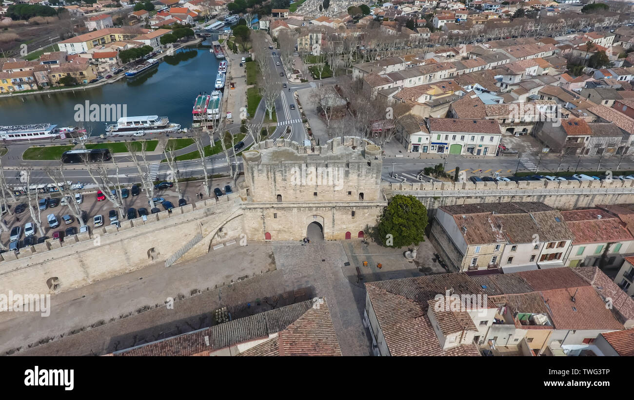 Aerial view of the main gate in ancient medieval city of Aigues-Mortes. France. - Stock Image