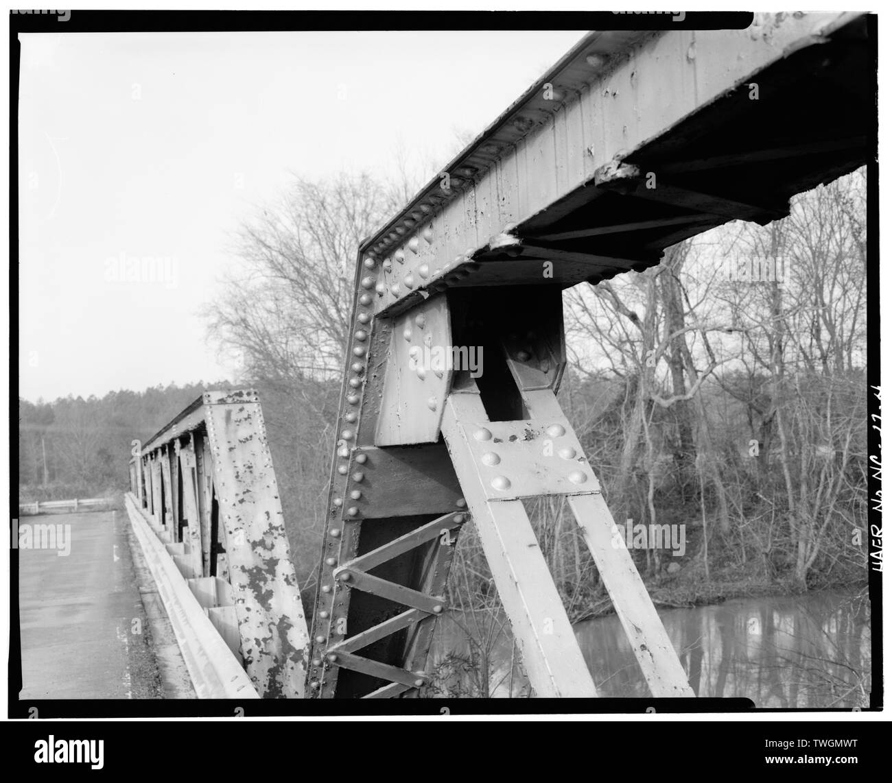 RIVET JOINT, MID-SPAN, NORTH SIDE - Bridge No. 28, Spanning Flatt River at State Route 1004, Durham, Durham County, NC - Stock Image
