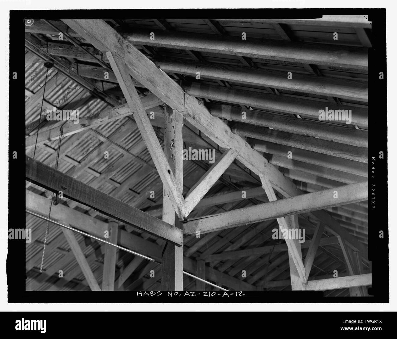 ROOF FRAMING DETAIL ABOVE CENTER AISLE, FROM SOUTHWEST - Fort Huachuca, Cavalry Stable, Clarkson Road, Sierra Vista, Cochise County, AZ - Stock Image